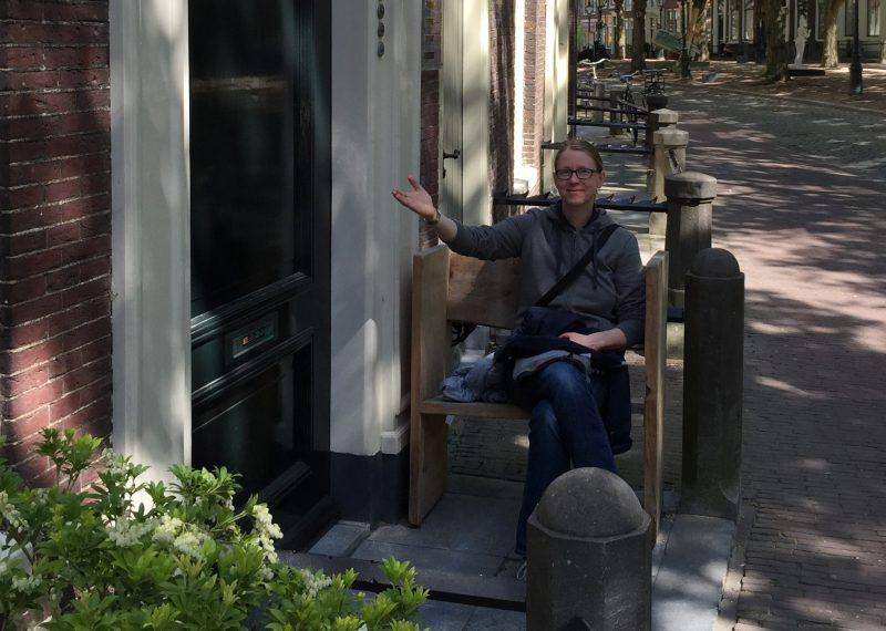Birgit Heyne sitzend